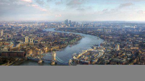 Петербуржец заплатил налоги, чтобы уехать к детям в Лондон