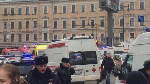 Смольный: в стационары города госпитализировали 43 пострадавших в результате взрыва в петербургском метро