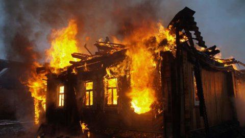 Житель Ленобласти поджег дом жены, но погибла другая женщина