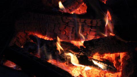 В Купчино загорелся гараж