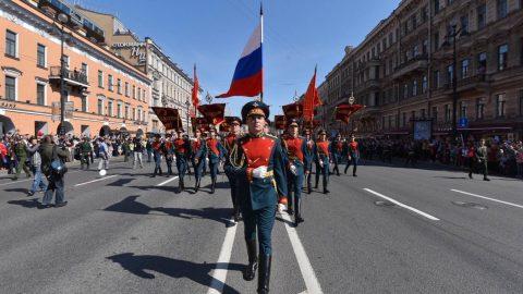 Репетиции военного парада Победы в Петербурге переносятся на вечернее время
