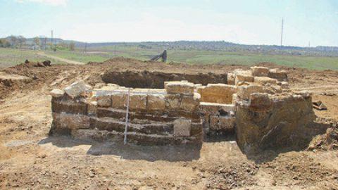 В Крыму археологи нашли склеп времен Александра Македонского