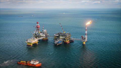 Новак сообщил о сокращении нефтедобычи в России на 300 тысяч баррелей в день