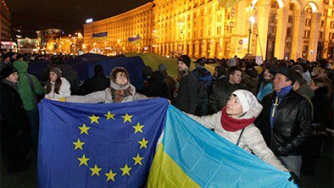 Эксперт предрек разочарование украинцев в безвизовом режиме с ЕС