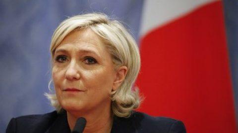 Ле Пен нашла объяснение «лихорадке» Макрона