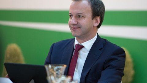 Дворкович пообещал запустить в России интернет-торговлю алкоголем