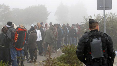 Беженцы в Кале пожаловались на жестокое обращение со стороны полицейских