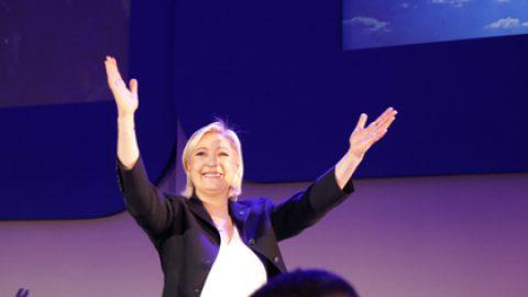 Ле Пен пообещала защитить Францию от «безудержной глобализации»