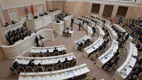 Депутаты Петербурга рассмотрят вопрос о референдуме по Исаакиевскому 17 мая