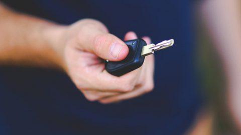 Toyota Land Cruiser за 5 миллионов рублей угнали в Приморском районе Петербурга