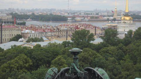 В Петербурге открылась вечерняя колоннада Исаакия