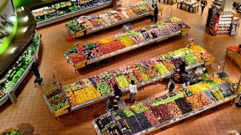 В России появятся продовольственные карточки для малоимущих
