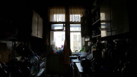 В Петербурге мать с сыном оставили соседей по коммуналке без жилья