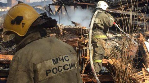 """Женщина сгорела на территории стадиона """"Автово"""""""
