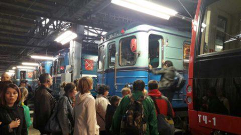 В «Ночь музеев» в метро Северной столицы проехало более 71,5 тысяч человек