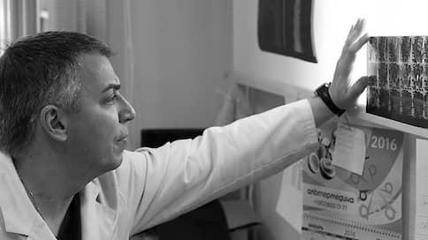 «Лечили пациентов, а в перерывах — самих себя» // Руководитель отделения РНИИТО имени Вредена Дмитрий Пташников о заражении коронавирусом, атмосфере в коллективе и ситуации в отрасли