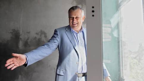 Губернатор Ленобласти с женой стали зарабатывать больше // Чиновники региона предоставили декларации за 2019 год
