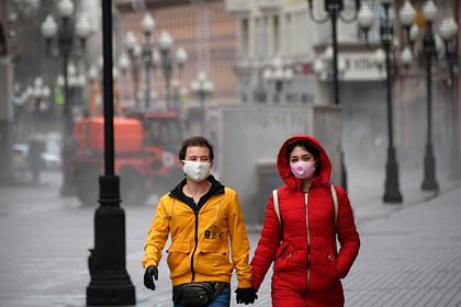 Власти Москвы предупредили о трудных неделях из-за пика коронавируса