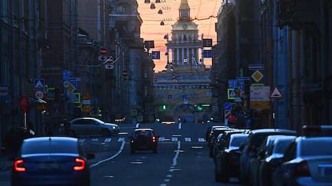 Скорость движения транспорта на Невском проспекте ограничат осенью